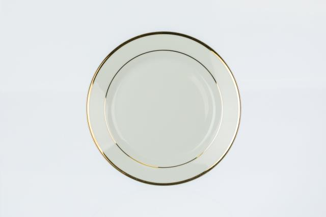 Where to find DESSERT PLATE BEIGE GOLD in Covington